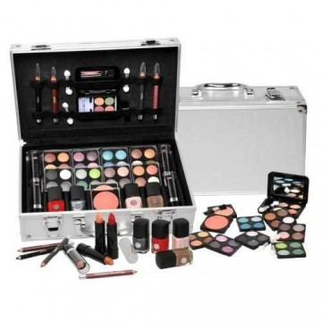 Some Teen Girls Are Really Fond Of The Makeup Kit This Depends From Girl To But Generally Most Love Dress Up And What Better
