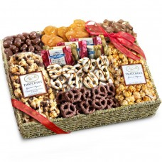 Chocolate-Caramel-and-Crunch-Grand-Gift-Basket