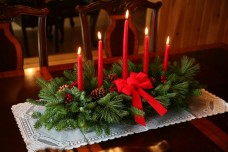 Worcester-Christmas-Wreath-Classic-5-Candle-Christmas-Centerpiece