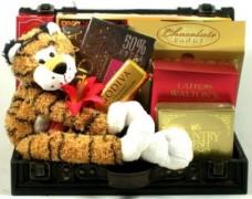 A-Love-Safari-Gourmet-Gift-Trunk-of-Godiva-Candies-Chocolates-and-Plush-Tiger