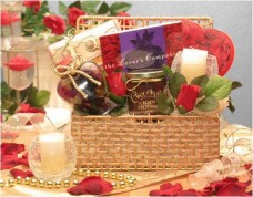 Gift-Basket-for-Romantic-Evening